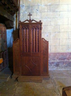 https://www.navamuel.es/images/IglesiaInterior/Confesionario.jpg