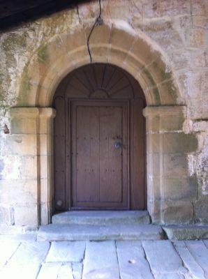 https://www.navamuel.es/images/IglesiaInterior/Puerta.jpg