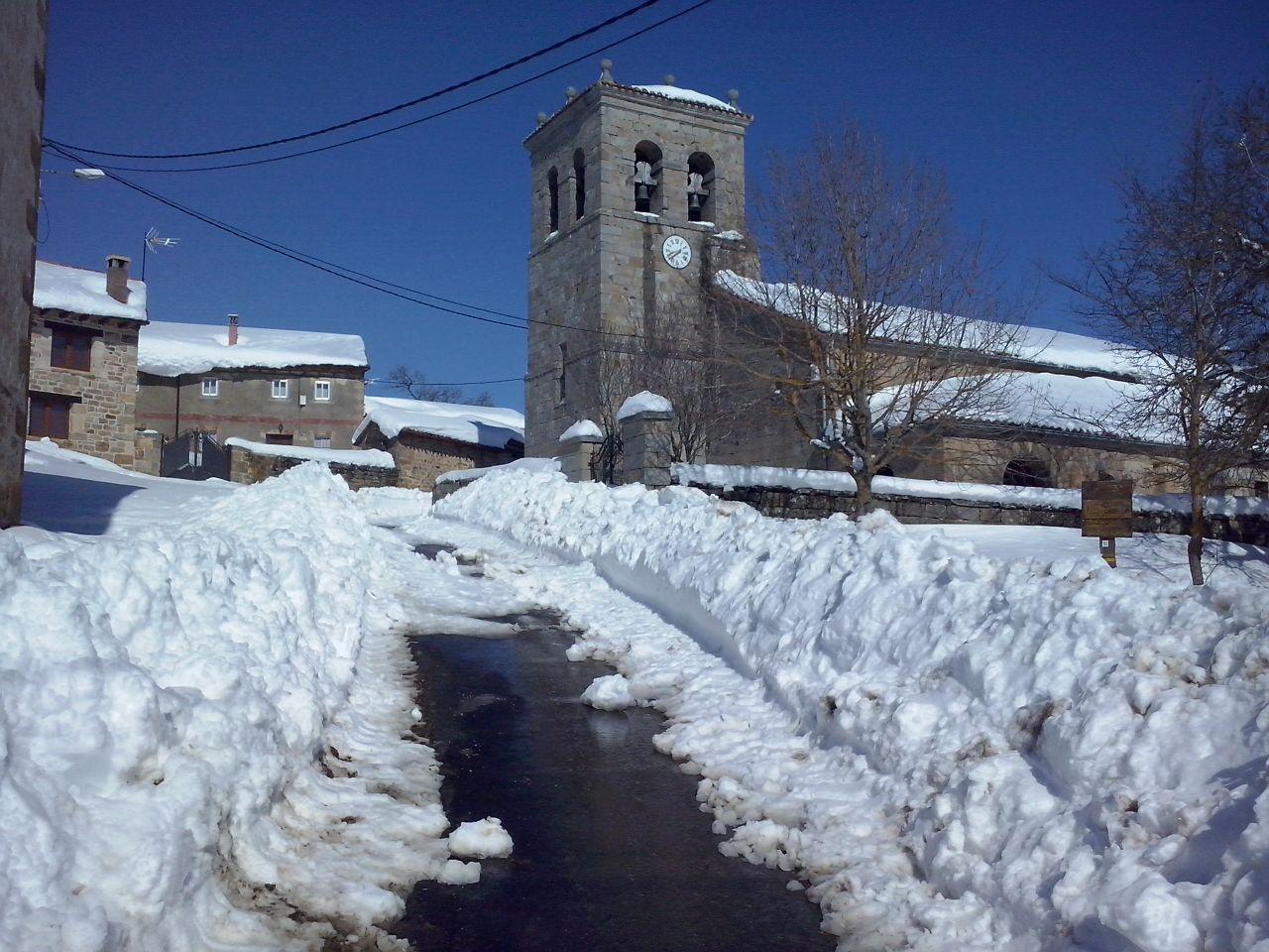 https://www.navamuel.es/images/Nevada2015v2/Iglesia.jpg